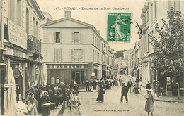 17 ROYAN - ENTREE DE LA RUE GAMBETTA   - - Royan