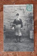 ILE D'OLERON (17) PECHEUSE D'HUITRES DE SAINT-TROJAN - Ile D'Oléron