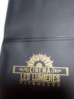 FRANCE ENCART POCHETTE CINECARTE CINEMA LES LUMIERES VITROLLES PAS COURANT - Entradas De Cine