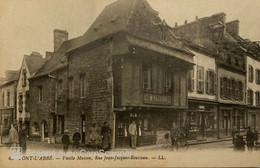 29 PONT L ABBÉ  VIEILLE MAISON RUE JEAN JACQUES ROUSSEAU ( Magasin Olivier Belle Animation ) - Pont L'Abbe