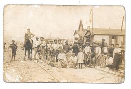 CPA 62 - LENS - PHOTO - AOUT 1919 - OUVRIERS - RECONSTRUCTION - VOIE FERREE - Lens