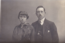 Carte Photo Couple De Mariés, Photo Fernand Deladrière, Rue De Nimy, Mons (pk77838) - Marriages
