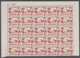 1969. DANMARK. RED CROSS. ROYAL FAMILY. 60 + 10 øre. 25-Block Number L 147. (Michel 489) - JF414941 - Briefe U. Dokumente