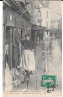 Cpa Inondations De Paris (janvier 1910) / Rue Saint Charles - Marchande De Légumes . - Überschwemmung 1910