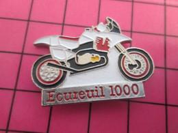 513i Pin's Pins / Beau Et Rare : Thème MOTOS / ECUREIL 1000 MOTO DE CROSS OU D'ENDURO - Motos