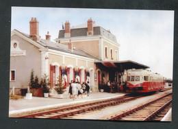 """Carte-Photo Moderne """"Autorail En Gare De Montmorillon - Ligne Nantes - Limoges - Années 50"""" - Estaciones Con Trenes"""