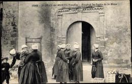 CPA Saint Jean De Monts Vendée, Etude A La Sortie De La Messe - Otros Municipios