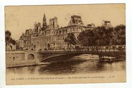 Cpa N° 121 PARIS L ' Hôtel De Ville Et Le Pont D' Arcole - El Sena Y Sus Bordes