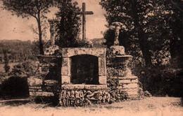 CPA - St HERNIN - Calvaire De Ker-Breudeur - Edition Villard - Carhaix-Plouguer