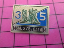 513i Pin's Pins / Beau Et Rare : Thème MILITARIA / GENDARMES MOBILES EGM 3/5 CALAIS BOURGEOIS STATUE RODIN - Militari