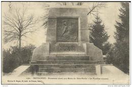 """90 .  BAVILLIERS . MONUMENT ELEVE AUX MORTS DU SOUS MARIN """" LE PLUVIOSE """" 1910 - Other Municipalities"""