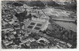 CP ( Palais De Fontainebleau - Vue Aérienne Du Chateau Et De La Ville ) - Fontainebleau