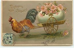Carte Gaufrée - Joyeuses Pâques - Coq Tirant Une Brouette Avec Un Oeuf Dessus - Easter