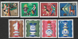 Berlin  1972   Sc#9NB88-95  Pets & Chess Sets  MH   2016 Scott Value $5.90 - Unused Stamps