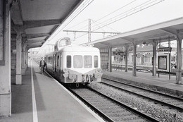 """Laroche-Migennes. Autorail Série X 3800 """"Picasso"""". Cliché Jacques Bazin. 06-09-1979 - Trains"""