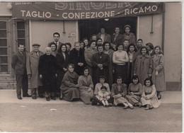 SINGER MACCHINE DA CUCIRE - FOTO RICORDO VADA 1955 - Persone Anonimi