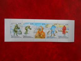 TAAF YT 352/356 EVOLUTION DE L'HABILLEMENT POLAIRE** - Booklets
