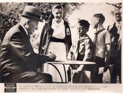 PETAIN Au Pavillon Sevigne    (photo 15x20) - 1939-45