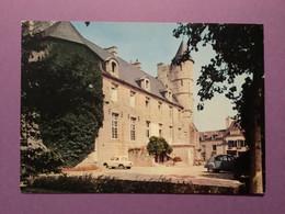 29   CPSM De PONT L'ABBÉ   Le Château    Mairie     Voitures Dauphine Et 2ch       Très Bon état - Pont L'Abbe