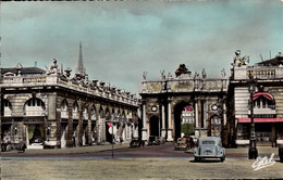 Dep 54 , Cpsm  NANCY , L'Arc De Triomphe ( Vieilles Voitures)  (20877) - Nancy