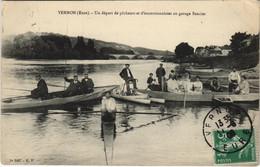 CPA VERNON Un Départ De Pecheurs Et D'excursionistes Au Garage Sencier (148432) - Vernon