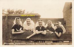 Walchersche Kleederdracht (Zeeland) Een Vroolijk Vijftal - Non Classés