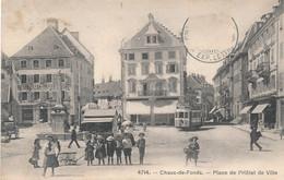 CPA- 21503 - Suisse  La Chaux De Fonds -Place De L'Hotel De Ville Avec Belle Animation - Envoi Gratuit - NE Neuenburg