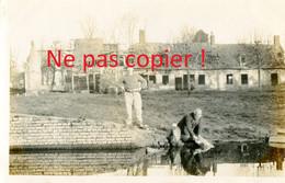 PHOTO FRANCAISE DU 322e RIT - POILUS A LA LESSIVE A FONTAINE LES CAPPY PRES CHUIGNES - FAY SOMME GUERRE 1914 1918 - 1914-18