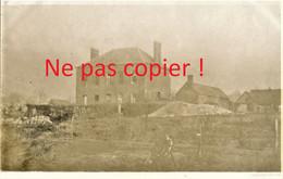 2 PHOTOS FRANCAISES DU 322e RIT - CIMETIERE ET RUINES A HERLEVILLE PRES DE VERMANDOVILLERS SOMME - GUERRE 1914 1918 - 1914-18