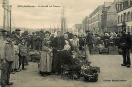 Audierne * Le Marché Aux Poissons * Marchandes * Coiffe Coiffes Bretonnes - Audierne