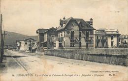 """CPA 64 Pyrénées Atlantiques HENDAYE Villas De L'Avenue Du Portugal Et Le """"Jaïzquibel"""" (Espagne) - Etat - Hendaye"""