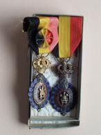 Medaille V/d ARBEID ( Verdienste ) 2 Stuks ( Zie Foto's Voor Detail AUB / Voir Photo ) What You See Is What You Get ! - Other