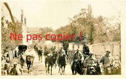 CARTE PHOTO FRANCAISE 322 RIT - LA RELEVE CROISE LES POILUS DE RETOUR DE VERDUN MEUSE 1916 - GUERRE 1914 1918 - Guerra 1914-18