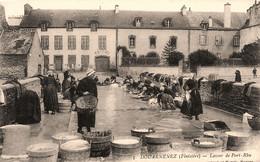Douarnenez * Le Lavoir De Port Rhu * Laveuses - Douarnenez