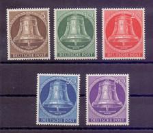 Berlin 1953 - Glocke Mitte - MiNr. 101/105 Postfrisch - Michel 90,00 € (637) - Unused Stamps