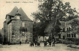 Lanteuil * Place De L'église Et école * Villageois - Autres Communes