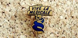 Pin's MEDECINE PHARMACIE LABO - Caducée Vive LA MEDICALE - EMAIL - Fabricant Inconnu - Médical