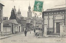 CPA Evreux La Rue Dulong - Evreux