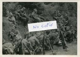 Ardennes. HOULDIZY.  Soldats Allemands En Pause - 1939-45