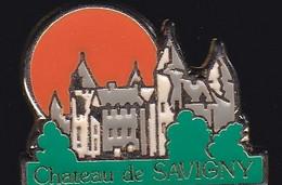 69912- Pin's.Savigny-lès-Beaune, Terre De Prestige Viticole Et Du Château - Villes