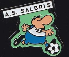 69916- Pin's.Football.Salbris . Loir-et-Cher. Région Centre-Val De Loire. - Football
