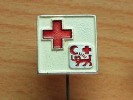 BADGE Z-27-3 - RED CROSS, CROIX ROUGE, SPENDE BLUT, - Medical