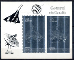 Thème Général De Gaulle - Paire Des Timbres Argent Iso Suède - Surcharges Concorde - T 1035 - De Gaulle (Generale)