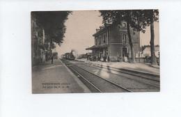 DOMPIERRE SUR BESBRE - La Gare Du P.L.M. , Train - 03 ALLIER - Other Municipalities