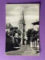 15    CPSM Petit Format   AURILLAC   Eglise Saint-Géraud       Bon état (un Angle Usagé) - Aurillac