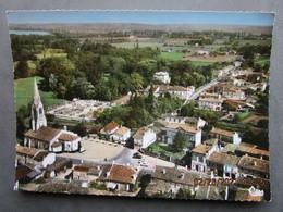 CP 33 Gironde  IZON  Prés Saint Loubes - Vue Générale Aérienne Sur Le Centre - Dans Le Fond ,la Dordogne 1970 - Other Municipalities
