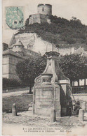 N°7474 Z -cpa La Roche Guyon -la Fontaine Et Le Château- - La Roche Guyon