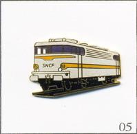 Pin's Transport - SNCF / Locomotive Electrique BB 25200 De 1965. Non Estampillé. EGF. T787-05 - Trasporti