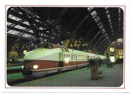 DIESELTRIEBZUG DER BAUREIHE  175.0 - Trenes