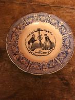 Assiette Porcelaine De Choisy Le Roi HB Au Clair De La Lune Numero 6 S - Plates